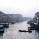 Grand Canal de Venise et gondole