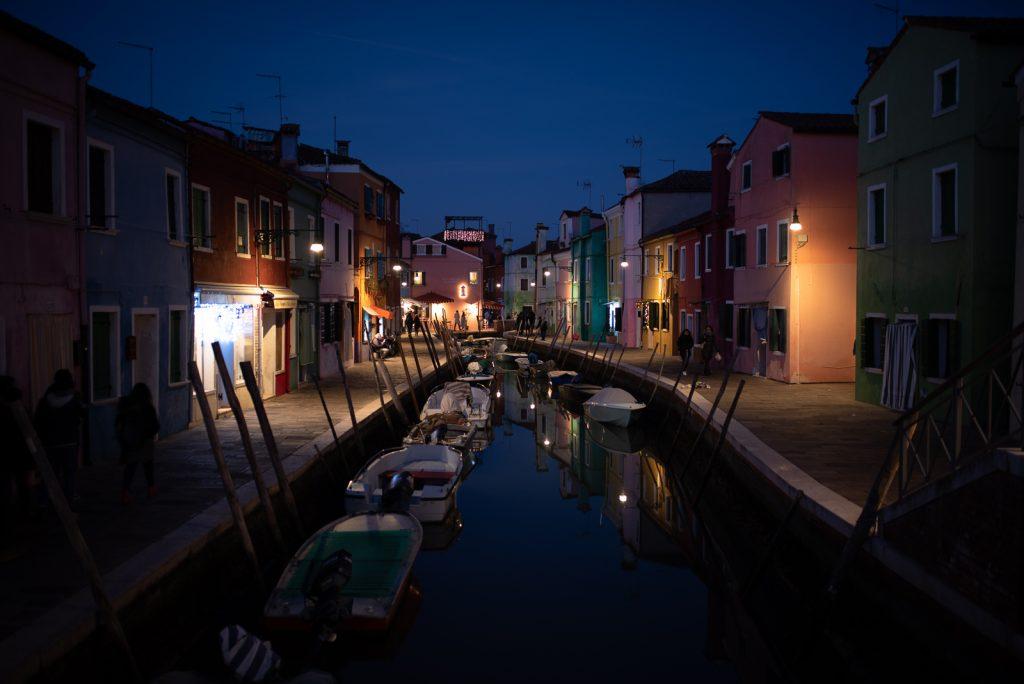 Burano de nuit et le Restaurant Riva Rosa